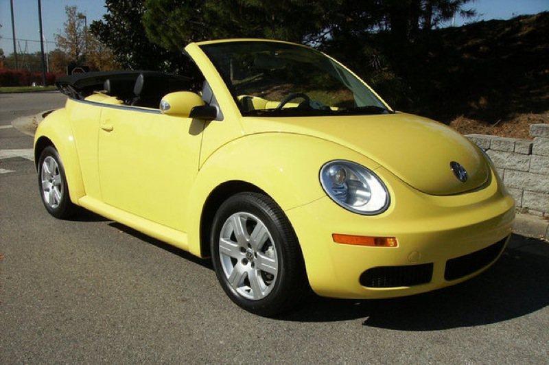 Car paint color samples - Example Of Sunflower Yellow Paint On A 2009 Volkswagen Beetle