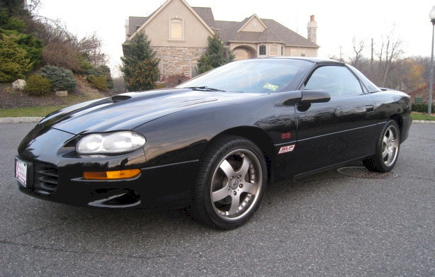 Onyx Black 2001 GM Camaro SS Coupe