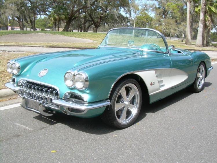 Regal Turquoise 1958 GM Chevrolet Corvette