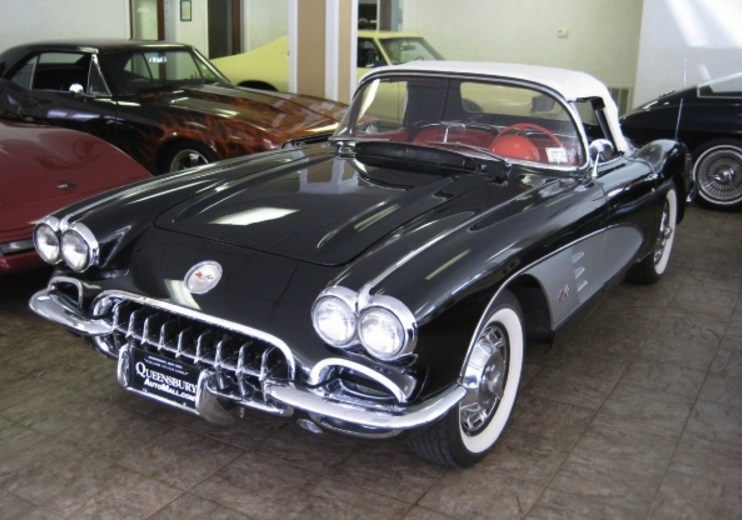 Tuxedo Black 1959 GM Corvette 