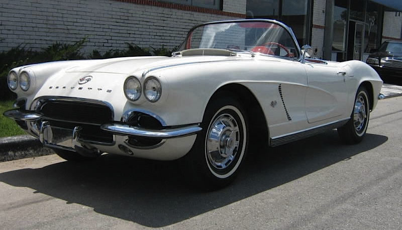 Ermine White 1962 GM Corvette
