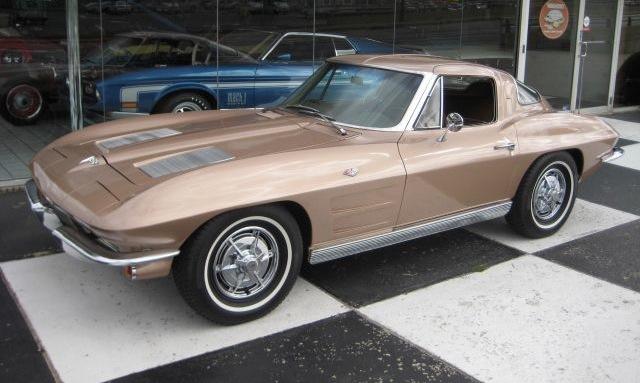 Saddle Tan 1963 GM Chevrolet Corvette
