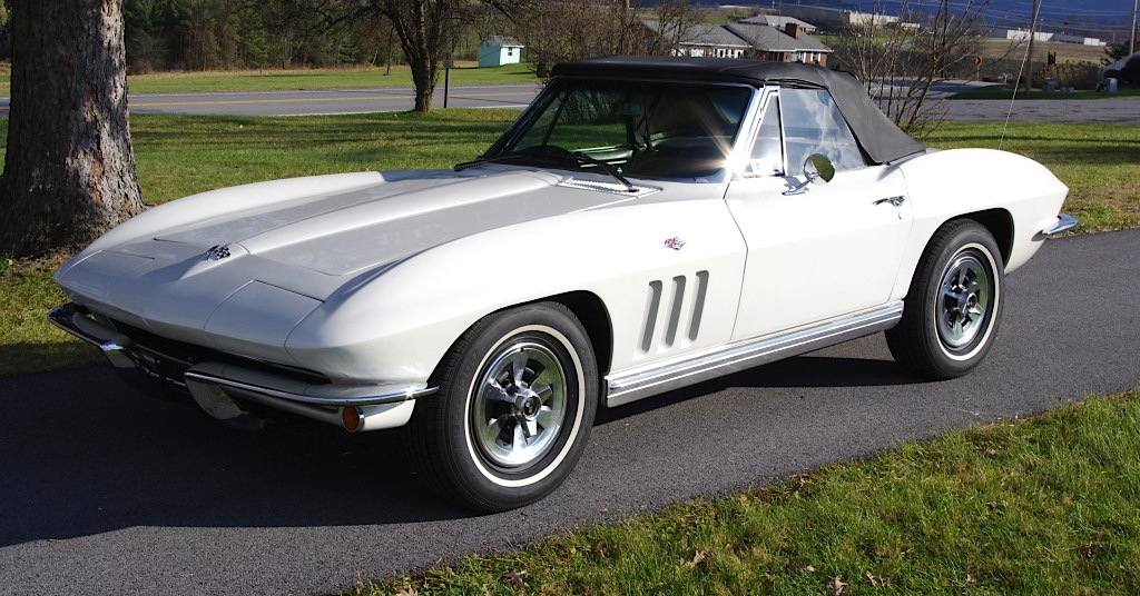 Ermine White 1965 GM Corvette 