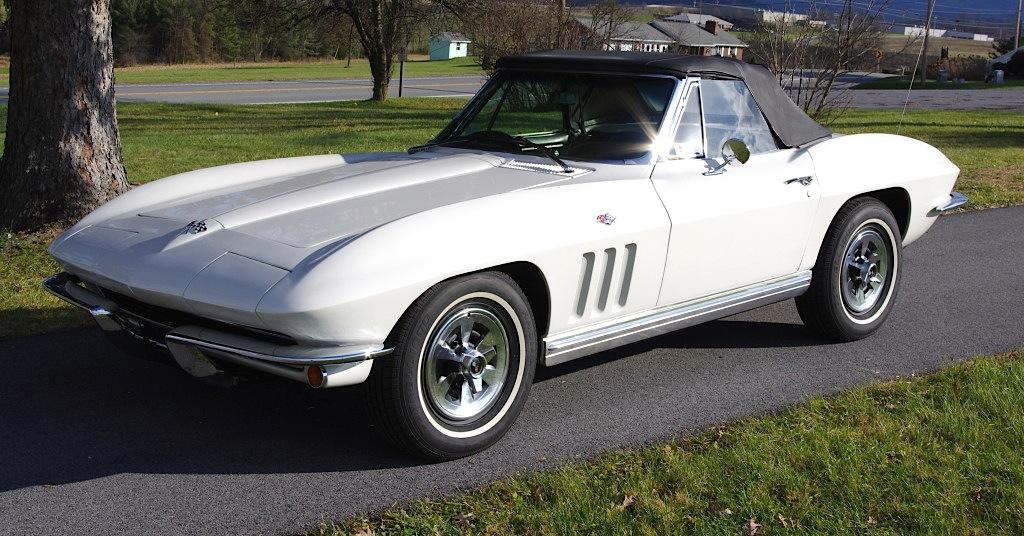 Ermine White 1965 GM Chevrolet Corvette