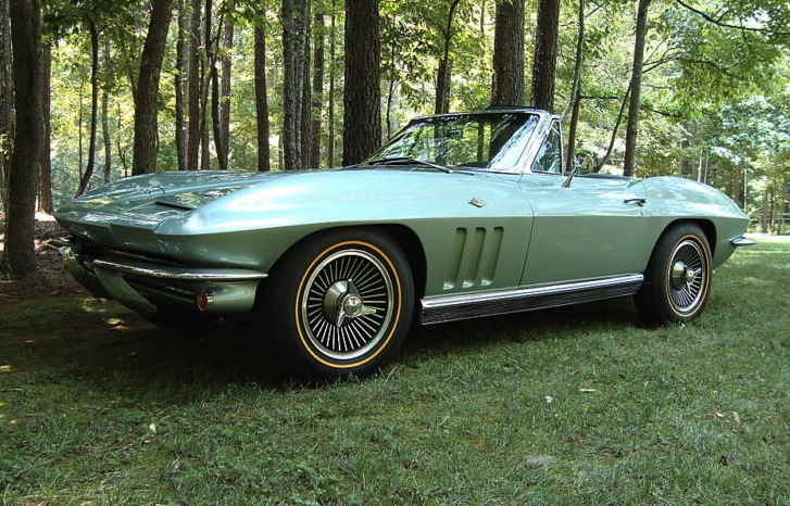Mosport Green 1966 GM Chevrolet Corvette