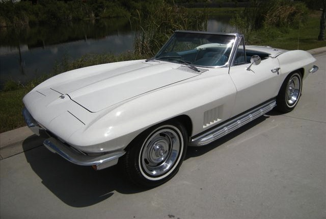 Polar White 1967 GM Chevrolet Corvette