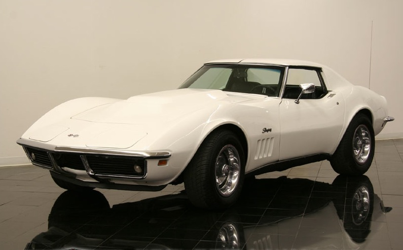 Can-Am White 1969 GM Chevrolet Corvette