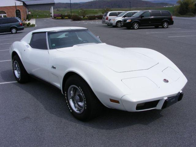 Classic White 1975 GM Chevrolet Corvette