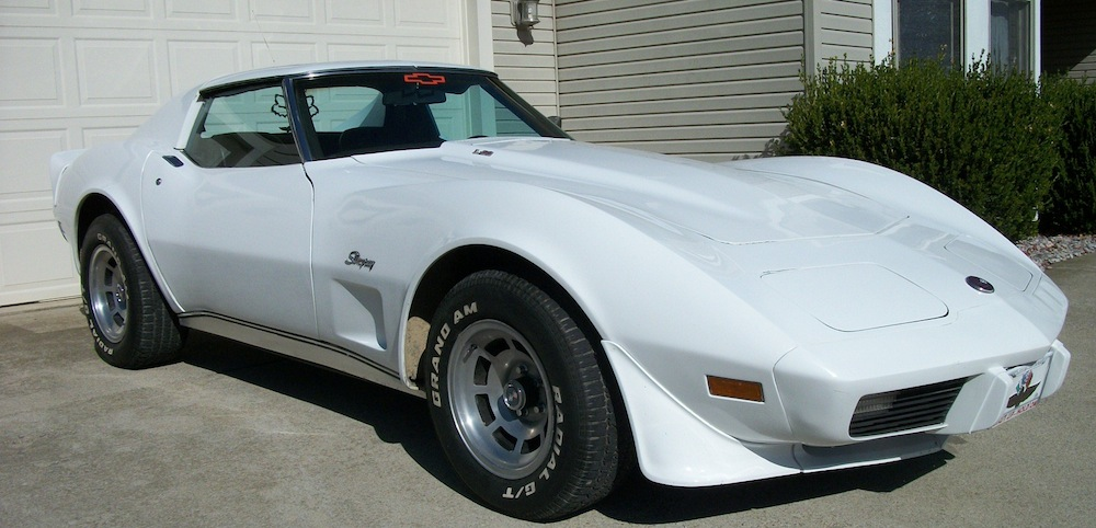 Classic White 1976 GM Chevrolet Corvette