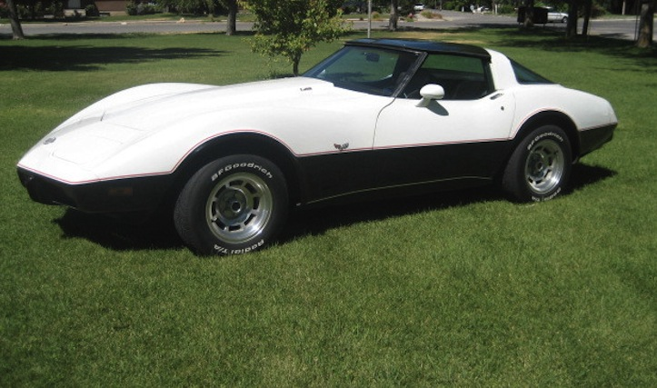 Classic White 1978 GM Chevrolet Corvette