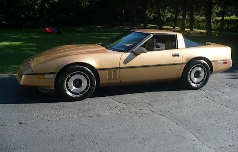 Gold 1982 GM Chevrolet Corvette