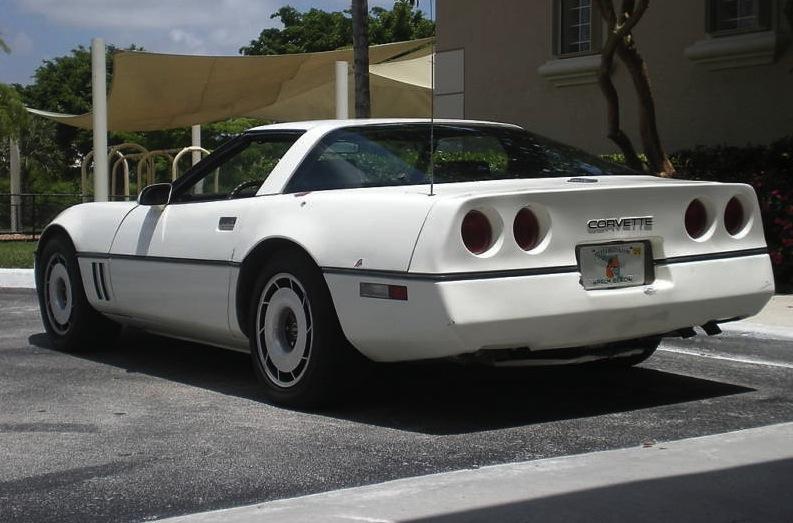 Classic White 1984 GM Chevrolet Corvette