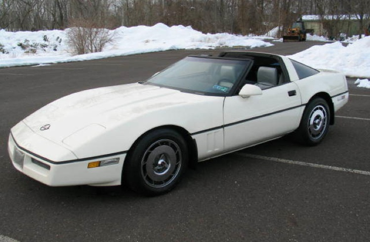 White 1985 GM Corvette