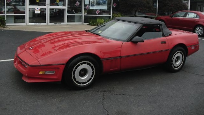 Bright Red 1985 GM Chevrolet Corvette