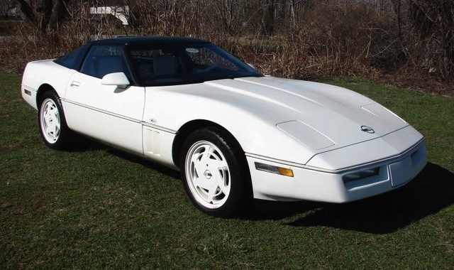 White 1988 GM Corvette
