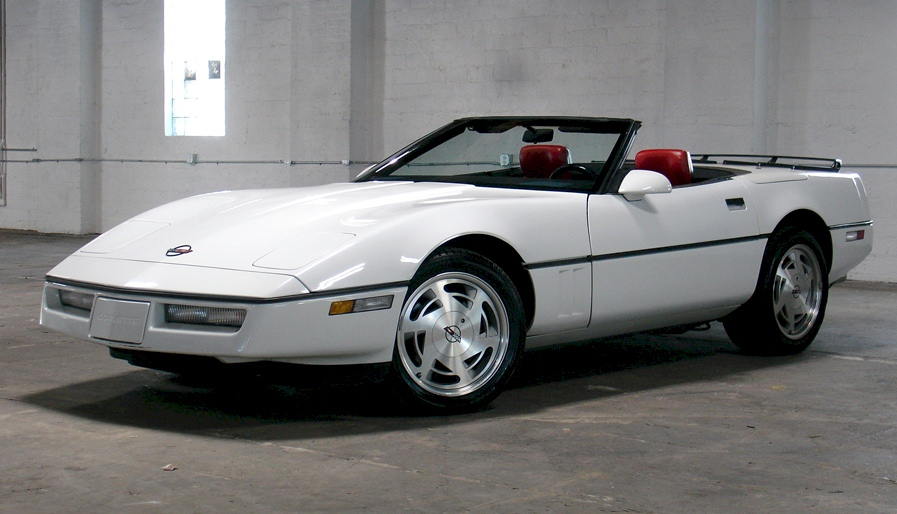 White 1989 GM Chevrolet Corvette