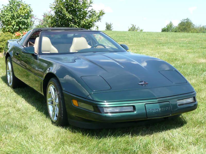 Polo Green 1995 GM Chevrolet Corvette