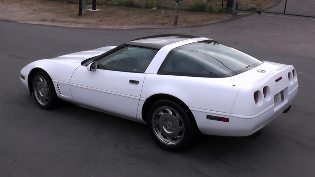Arctic White 1995 GM Chevrolet Corvette