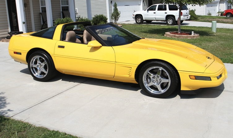 Competition Yellow 1996 GM Chevrolet Corvette