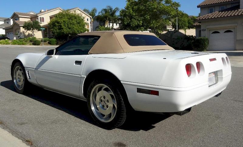 Arctic White 1996 GM Chevrolet Corvette Convertible