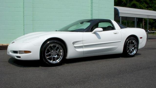Arctic White 1997 GM Chevrolet Corvette