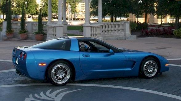 Nassau Blue 1997 GM Chevrolet Corvette