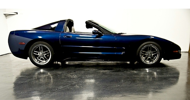 Navy Blue 1999 GM Chevrolet Corvette