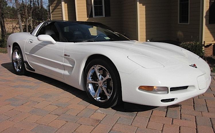 Arctic White 1999 GM Chevrolet Corvette