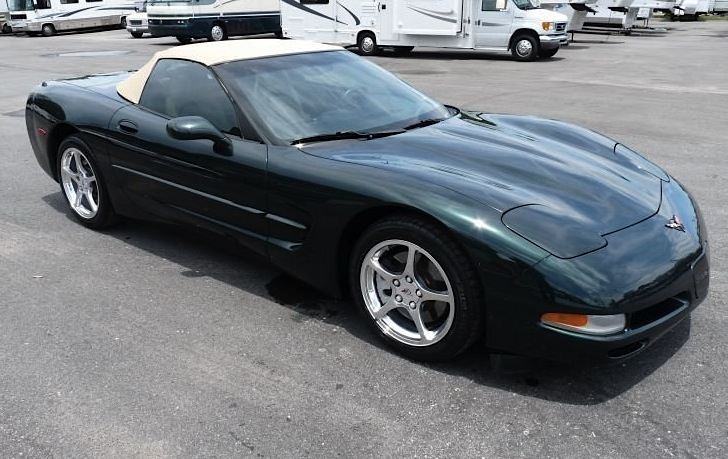 Dark Bowling Green 2001 GM Chevrolet Corvette
