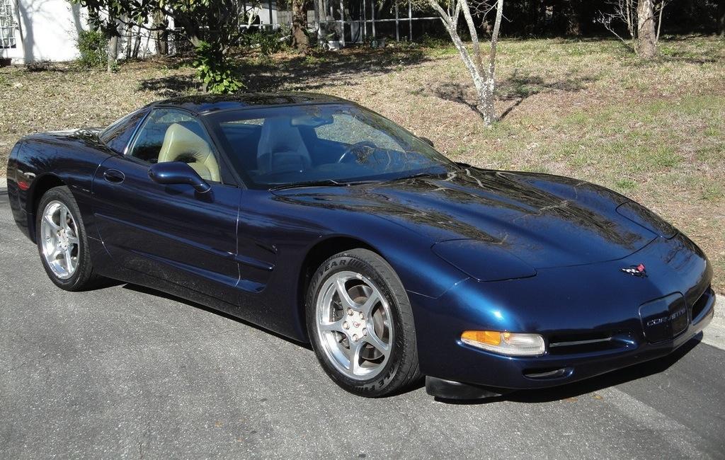 Navy Blue 2001 GM Chevrolet Corvette