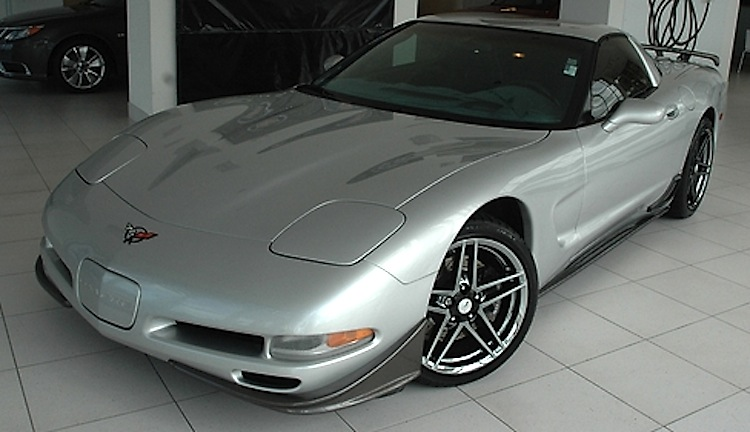Quicksilver 2001 GM Chevrolet Corvette