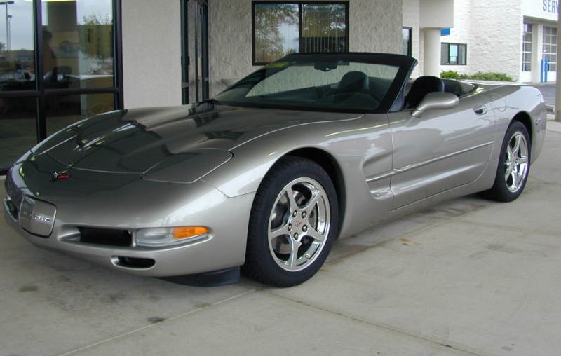Light Pewter 2002 GM Chevrolet Corvette