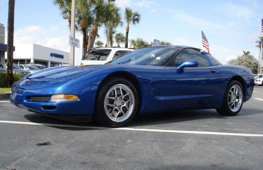 Electron Blue 2002 GM Chevrolet Corvette