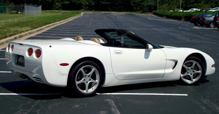 Speedway White 2003 GM Chevrolet Corvette Convertible