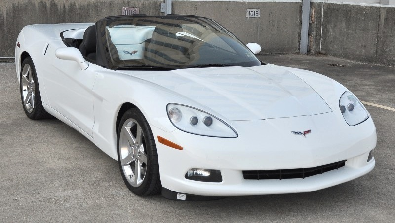 Arctic White 2005 GM Chevrolet Corvette