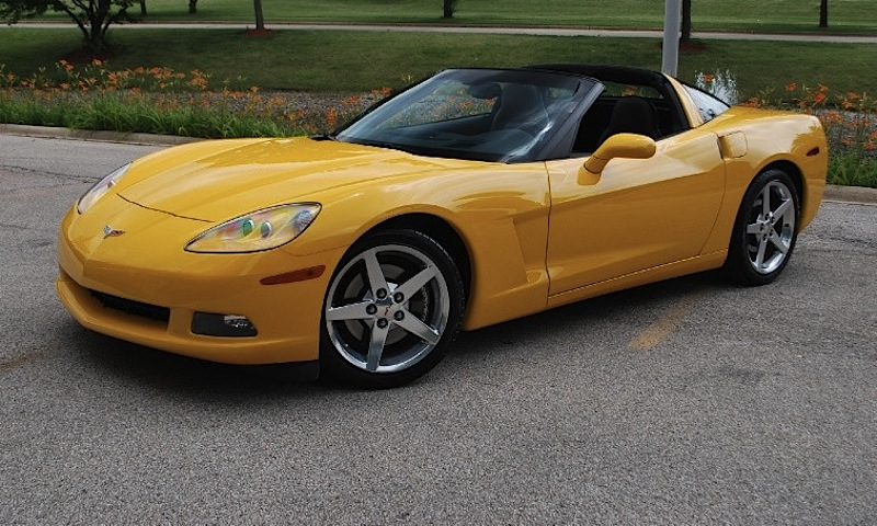 Milenium Yellow 2005 GM Chevrolet Corvette