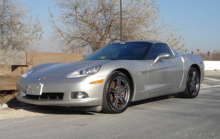 Machine Silver 2008 GM Chevrolet Corvette