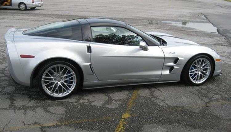 Blade Silver 2009 GM Chevrolet Corvette