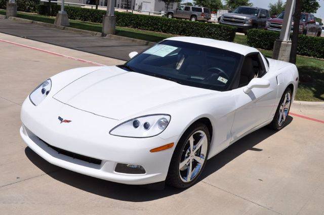 Arctic White 2009 GM Chevrolet Corvette