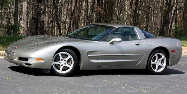 Light Pewter 2001 GM Chevrolet Corvette