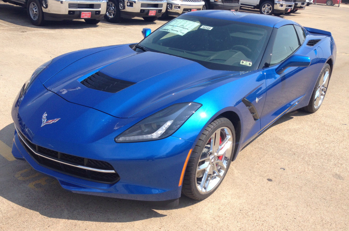 Chevy Touch Up Paint Pen Example of Laguna Blue paint on a GM 2015 Chevrolet Corvette