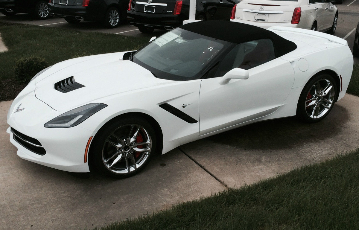Arctic White 2015 GM Chevrolet Corvette