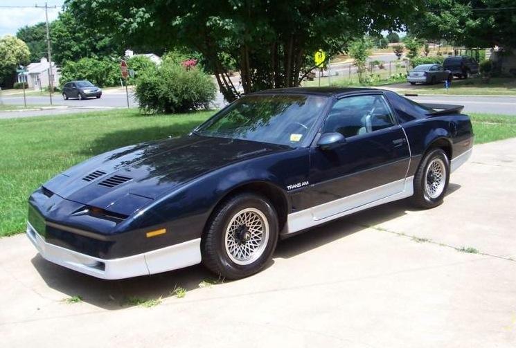 Black Sapphire 1986 GM Pontiac Firebird