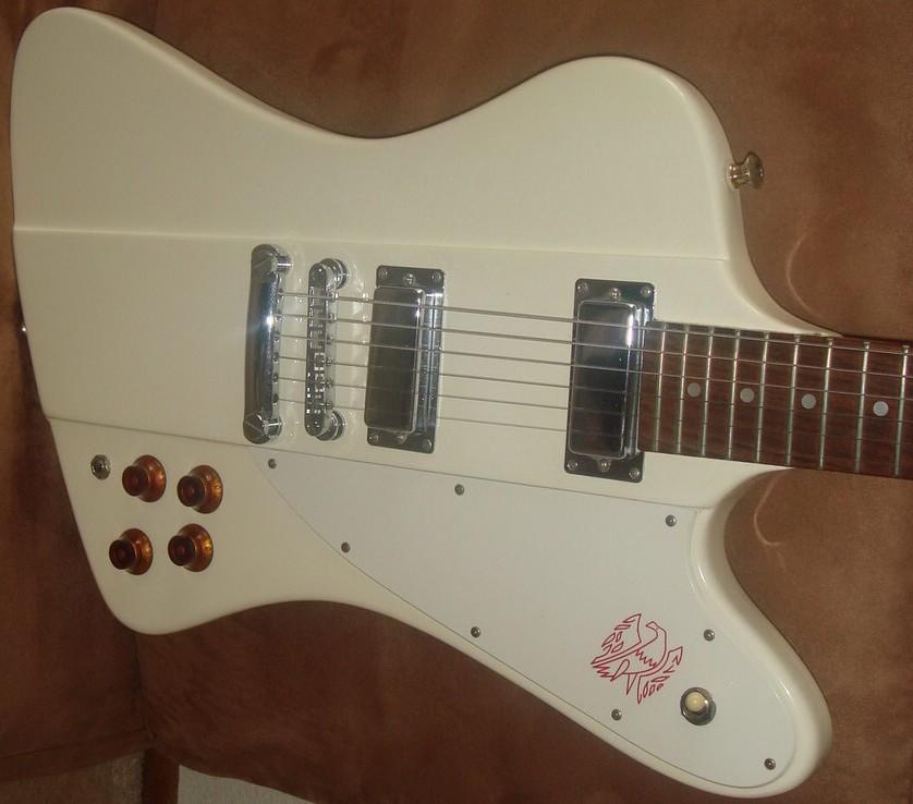 Car paint color samples - Example Of Polaris White Paint On A Fleet 1963 Gibson Firebird