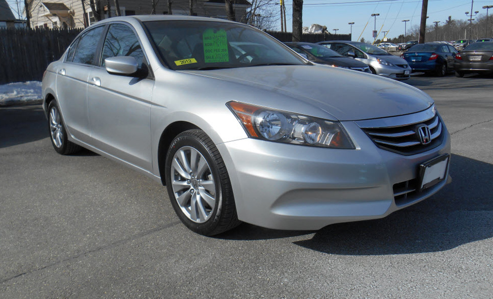 Alabaster Silver 2012 Honda Accord