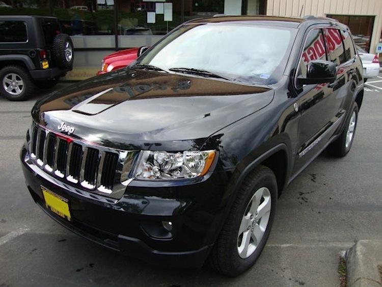 Brilliant Black 2011 Jeep Grand Cherokee Laredo