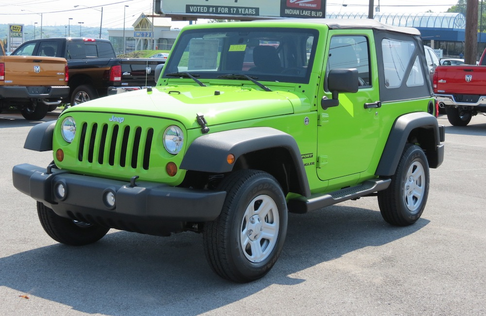 Example of Gecko paint on a 2013 Chrysler Jeep Wrangler Unlimited