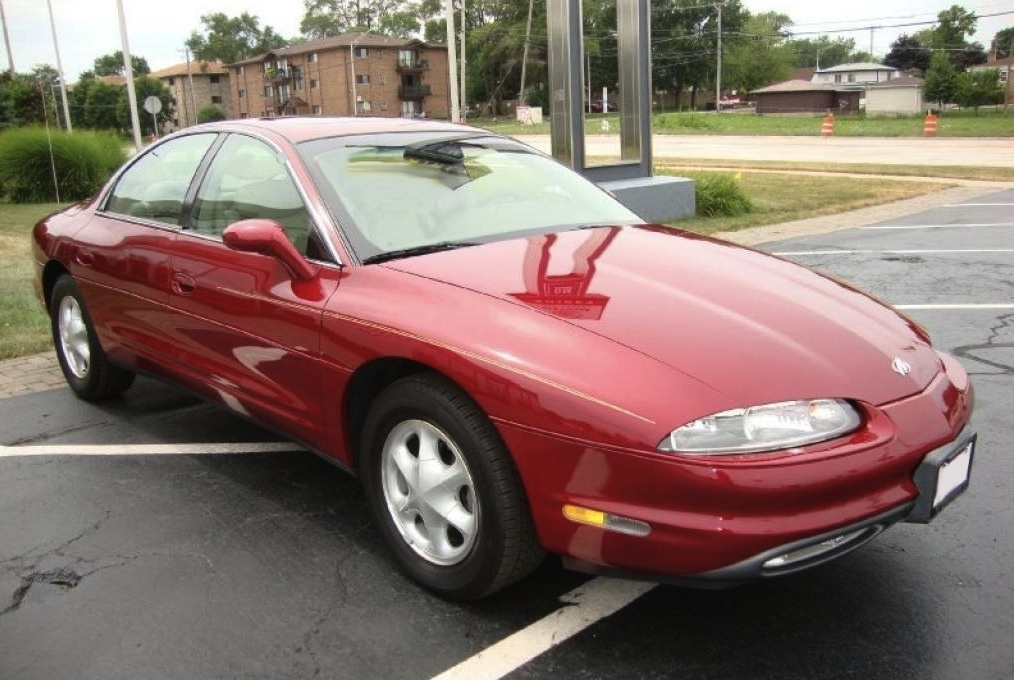 Medium Garnet Red 1996 Oldsmobile Aurora