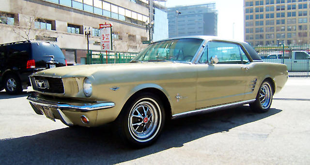 Sauterne Gold 1966 Ford Mustang