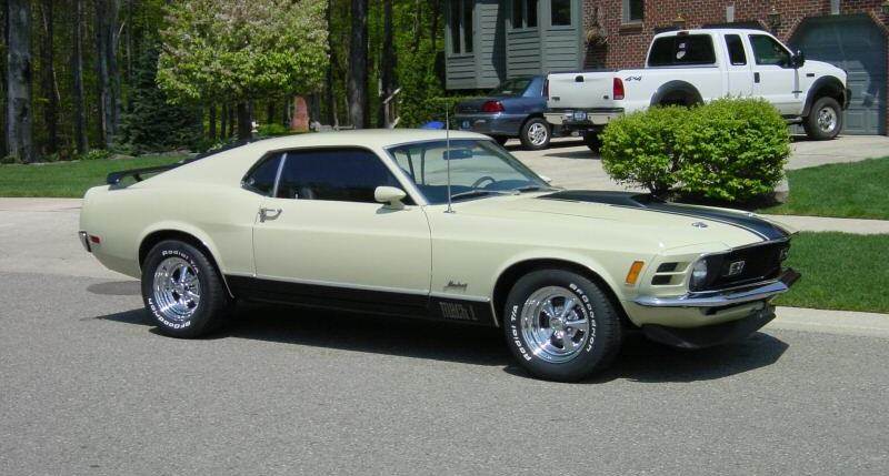 Light Ivy Yellow 1970 Ford Mustang